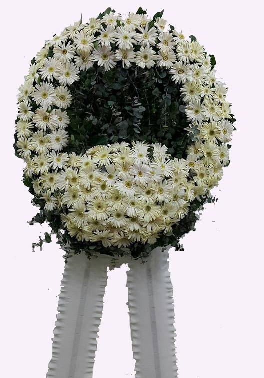 Beyaz çiçeklerden oluşan cenaze Çelengi