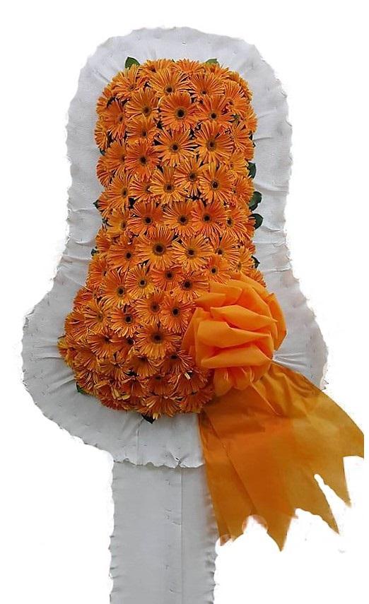 Turuncu Renkli Gerberalardan oluşan Çelenk