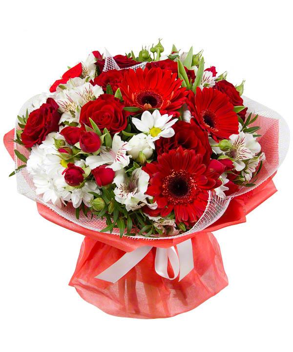 Kırmızı ve beyaz çiçeklerden oluşan buket