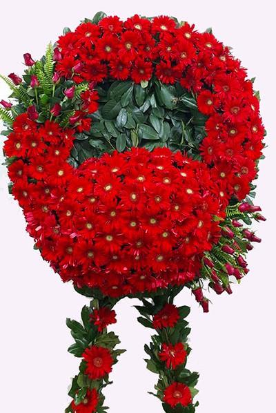 Kırmızı çiçeklerden oluşan Cenaze Çiçeği