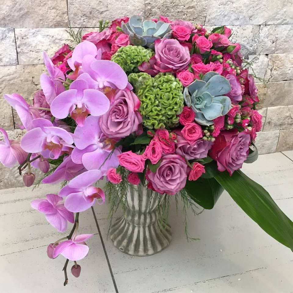 Orkide ve güller Söz nişan çiçeği